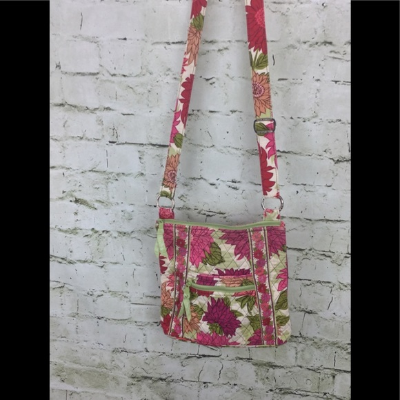 Vera Bradley Handbags - Vera Bradley Hello Dahlia Crossbody Large